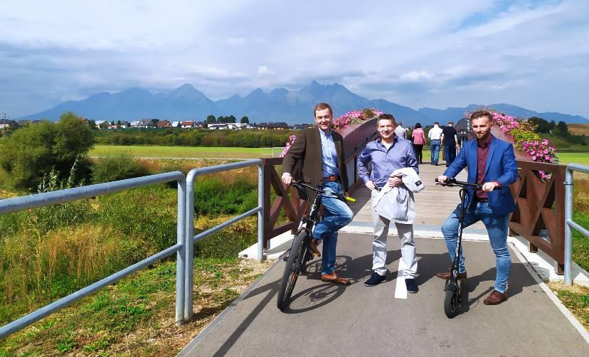 Pozvali nás na otvorenie cyklochodníka do Veľkej Lomnice